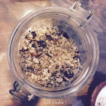 Préparer le petit-déjeuner pour la semaine : ici, du granola