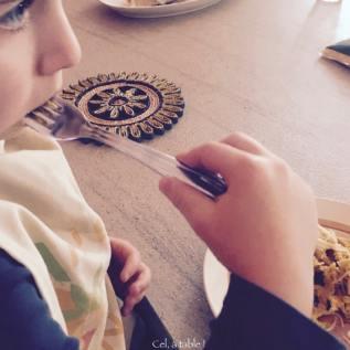 Le plaisir de manger des pâtes pour les enfants