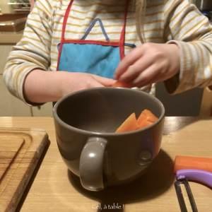 disposer les carottes dans le bol