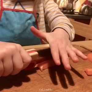 apprendre à couper les carottes en bâtonnets 2