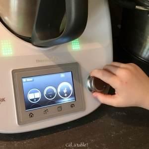 tourner le bouton du mixeur