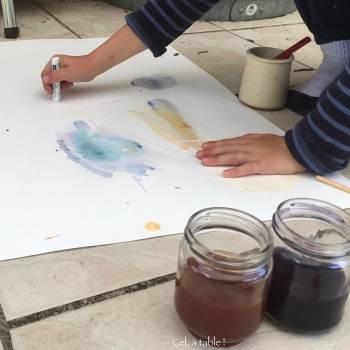 activité de peinture végétale avec les enfants