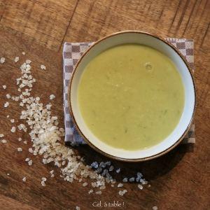 soupe poireaux-curry aux flocons de céréales