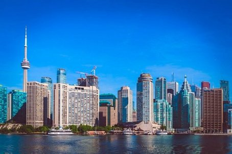 downtown_from_island_ferry-700x466