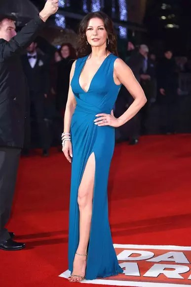 Catherine Zeta Jones Bra Size : catherine, jones, Biography, Residence, Bedford, -Celebrity, Measurement,, Stat,, Height,, Weight,, Breast/chest, Size,, Celeb, Detail, Facts, Networth