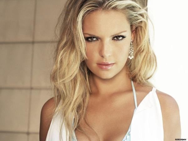 Katherine Heigl - Height Weight Bra Size Measurements & Bio
