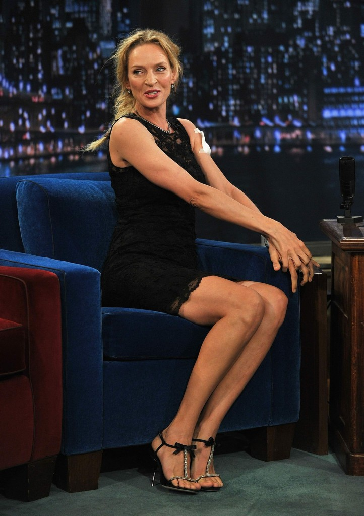 Gillian Anderson The Fall Wallpaper 5 Celebrities With Incredibly Big Feet Celebie