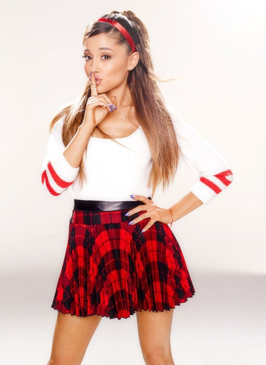 Ariana Grande Nude Naughty Schoolgirl Sex Tape