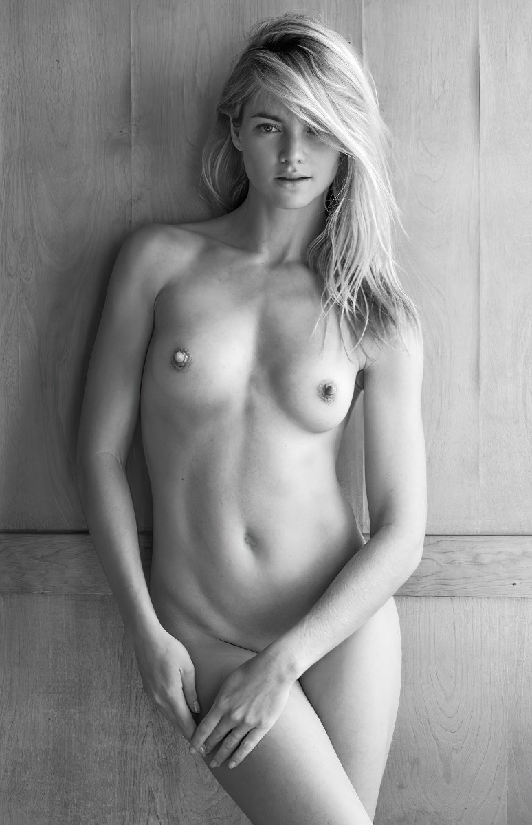 Elyse Taylor Nude Photos Ultimate Collection