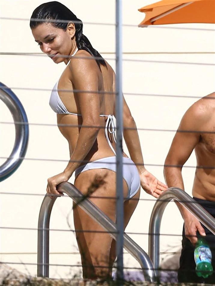Eva Longoria Shows Her Nips In A Wet Bikini