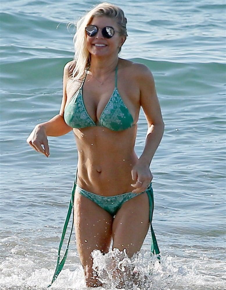Fergie's Big Tits And Tight Ass Bikini Pics