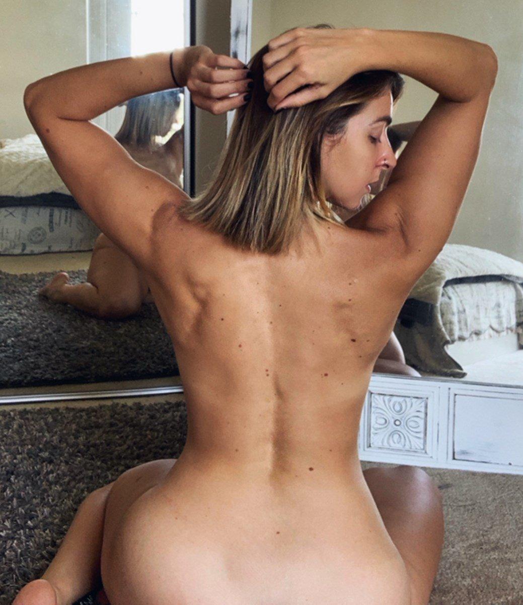 Gabbie Hanna Nude Photos And Pussy Lips Slip