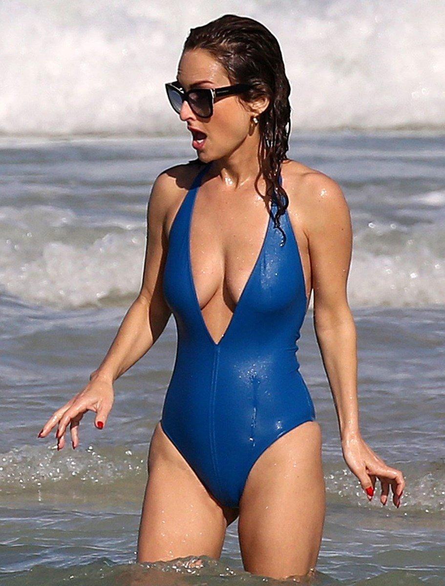 Giada De Laurentiis Nipple Slip Swimsuit Pics