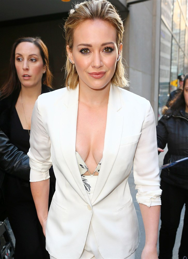 Hilary Duff Walking Around With Her Nipple Exposed