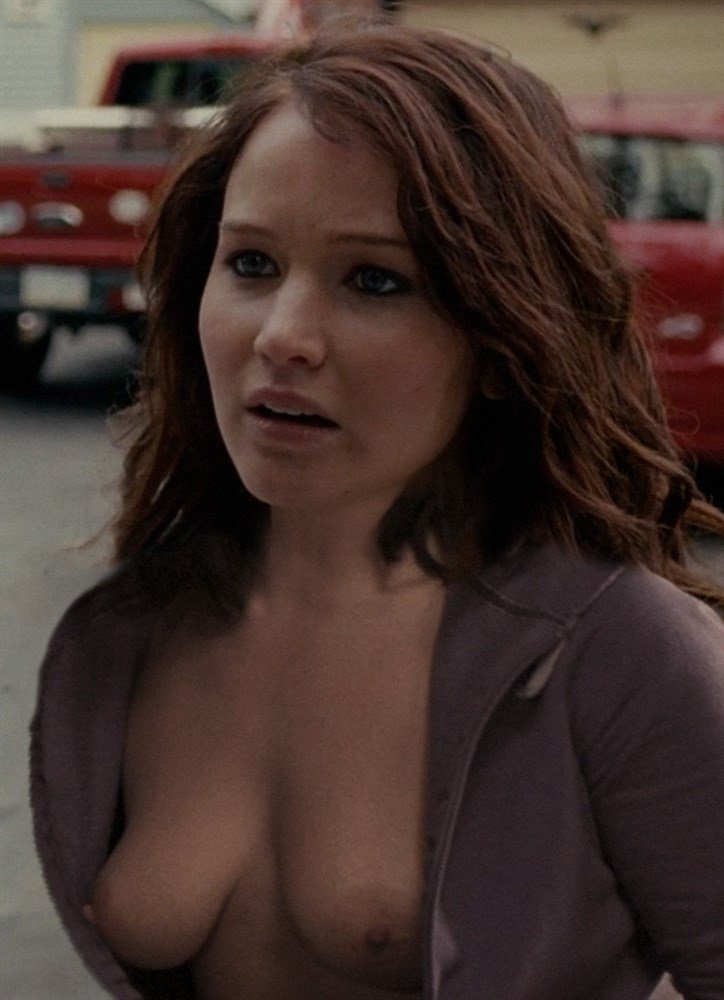 Jennifer Lawrence Nude Cell Phone Pics Leaked