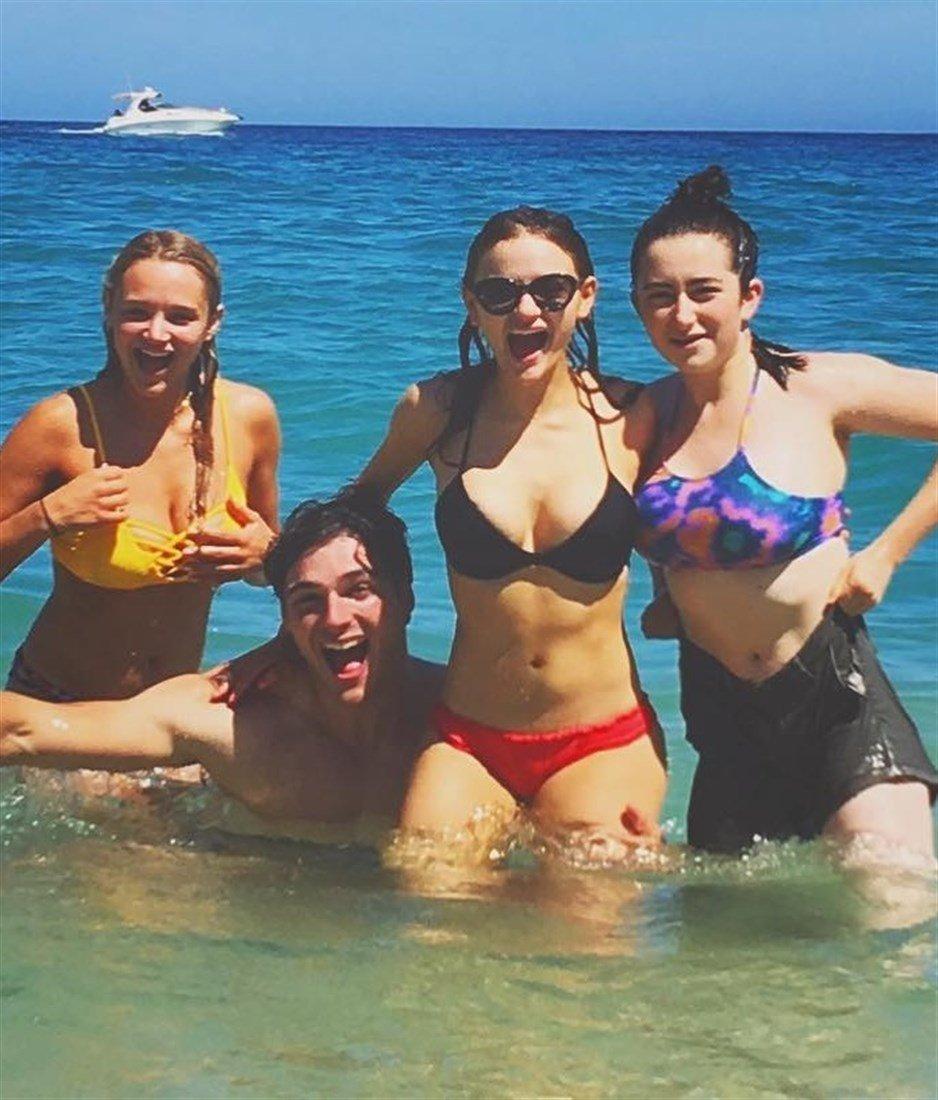 Joey King Flaunts Her Freshly Turned 18-Year-Old Body In A Bikini