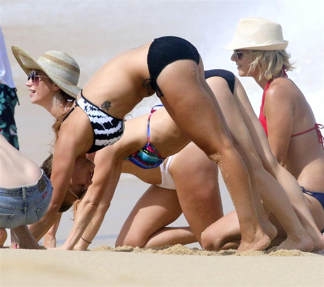 Kaley Cuoco Thick Booty Bikini Beach Pics