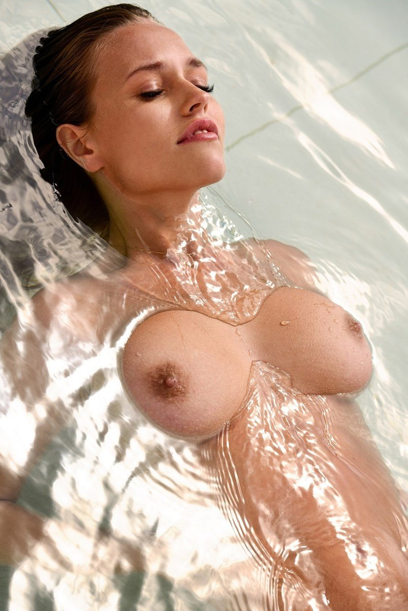 Laura Muller Nude Playboy Photo Shoot