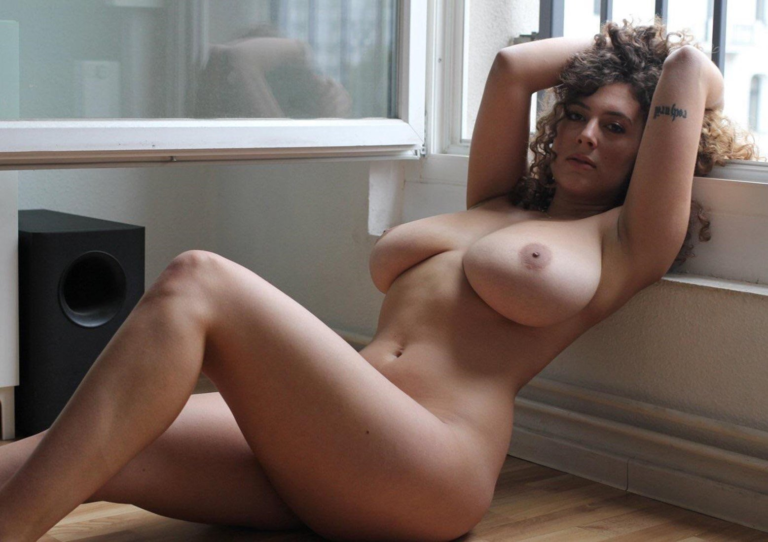 Leila Lowfire Nude Photos Collection