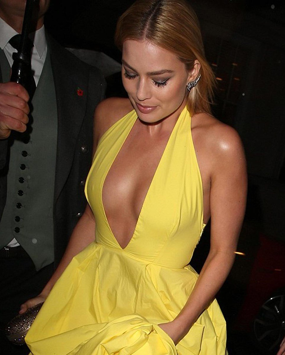 Margot Robbie Nipple Slips In A Low Cut Dress