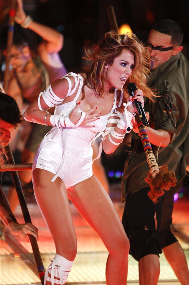 Miley Cyrus Shows Her Crotch Again