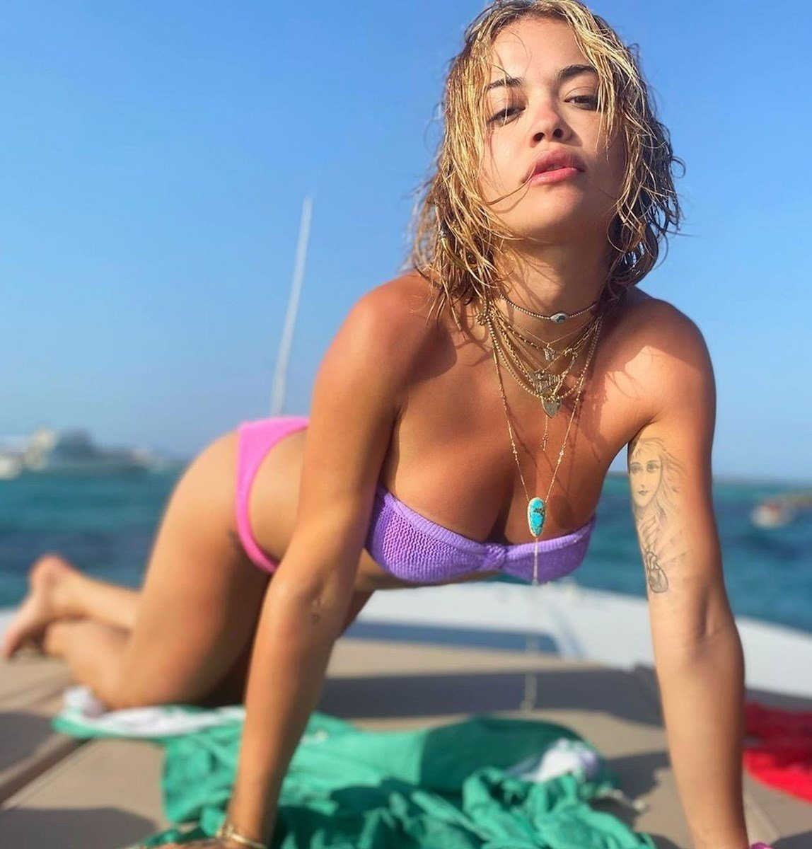 Rita Ora Flashes Her Nude Boobies On A Yacht