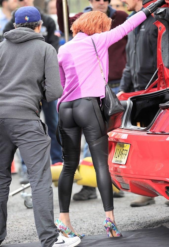 Scarlett Johansson's Ass In Leather Leggings