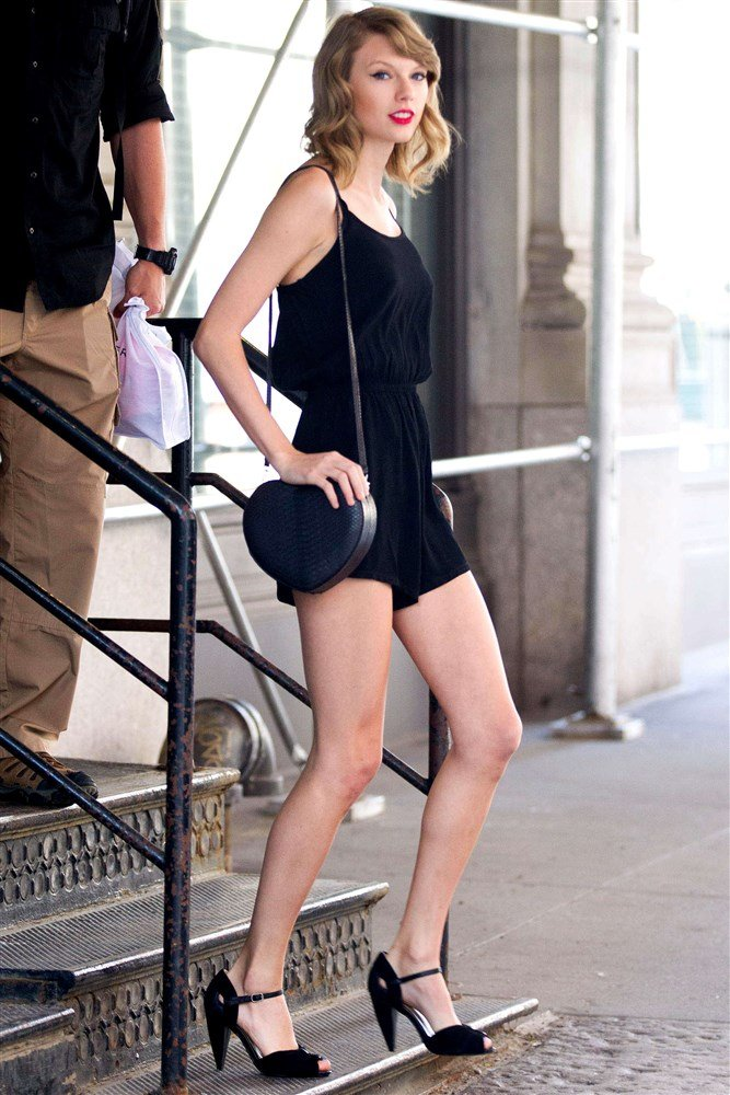 Taylor Swift Offends With Her Immodestly Long Legs