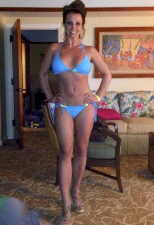 Britney Spears Posts Sloppy Bikini Pic To Instagram