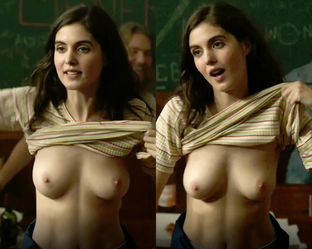 "Claire Chust Nude Scene From ""Damien Veut Changer Le Monde"""