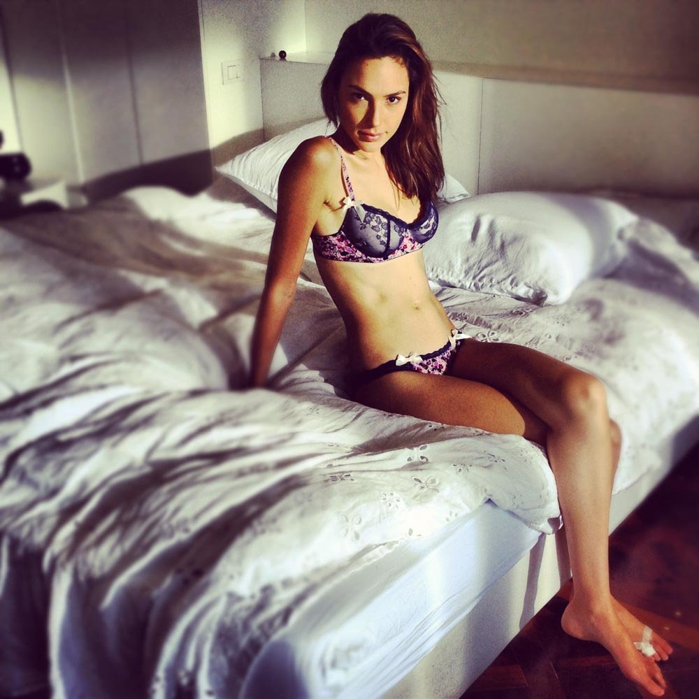 Gal Gadot Panties Past Uncovered