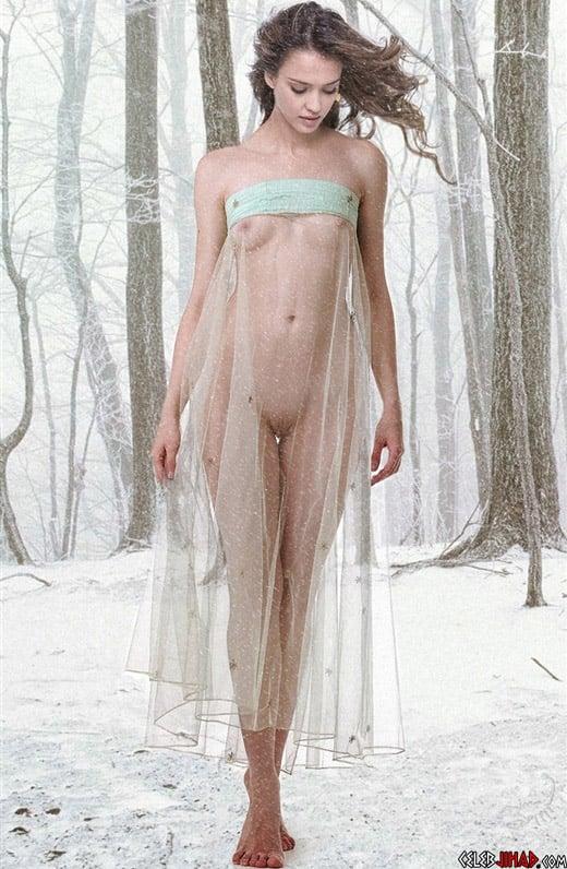 Jessica Alba Takes A Wintery Nude Photo