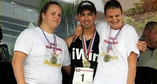Joe Jonas Medals At The Special Olympics