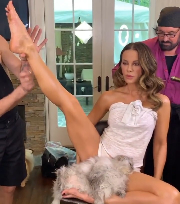 Kate Beckinsale Spreads Her Legs And Plays With Her Hairy Pussy