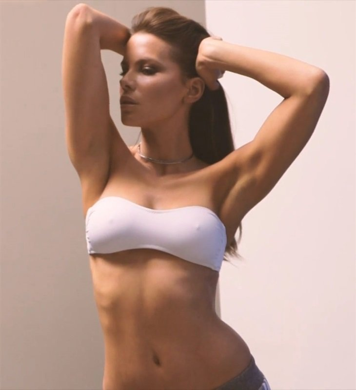Kate Beckinsale's Nude Tits Through The Years