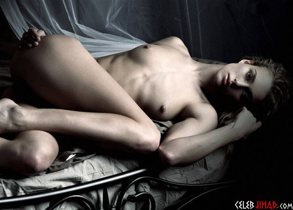 Keira Knightley Poses Naked For Art