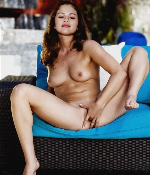 Selena Gomez Masturbation Photos