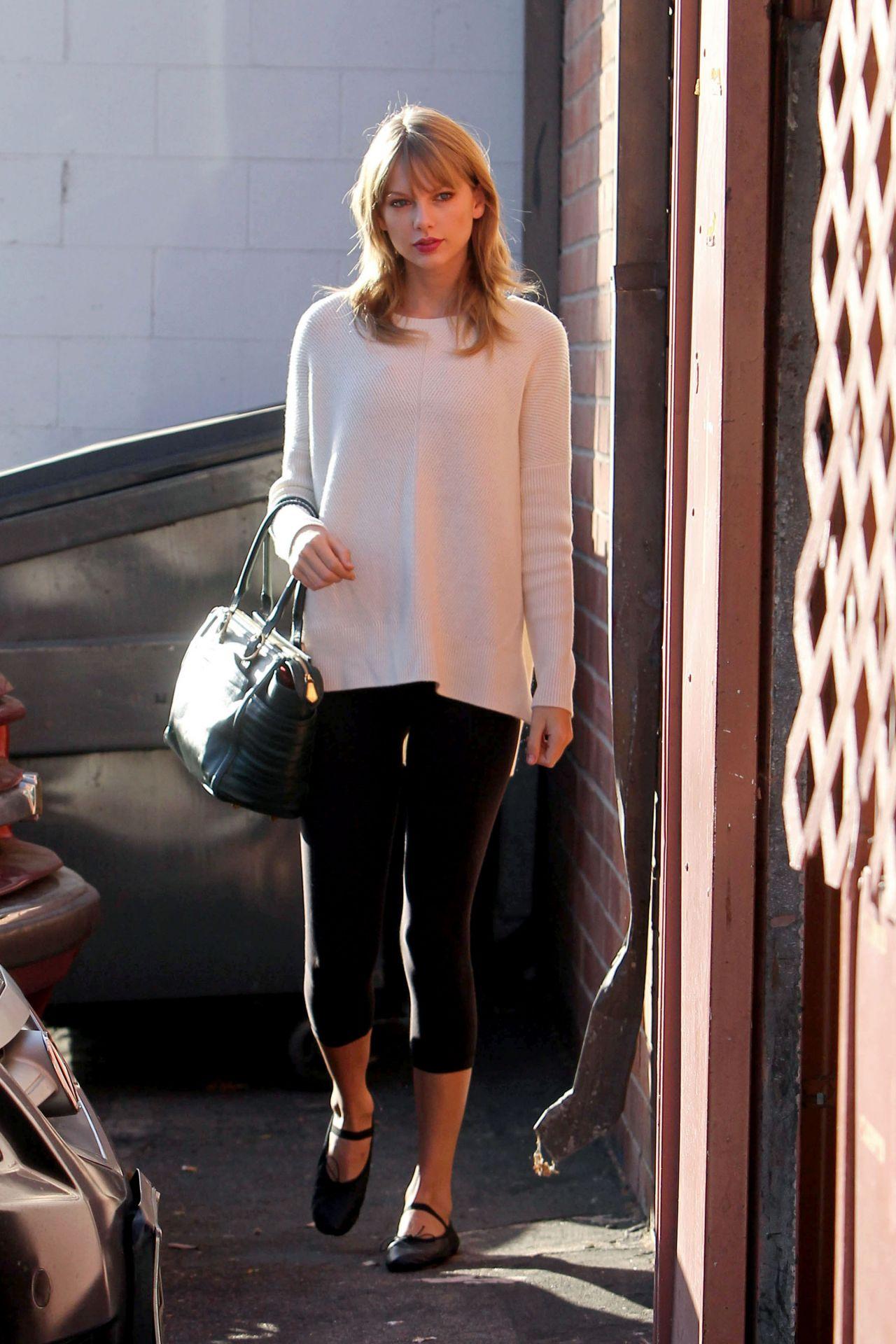 Taylor Swift Street Style  Arriving to a Dance Studio in LA