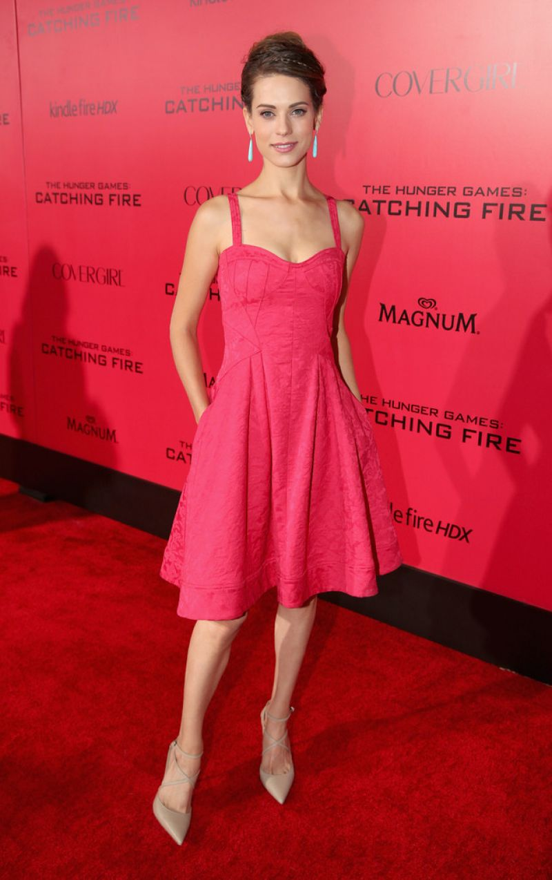 Lyndsy Fonseca on Red Carpet  THE HUNGER GAMES CATCHING