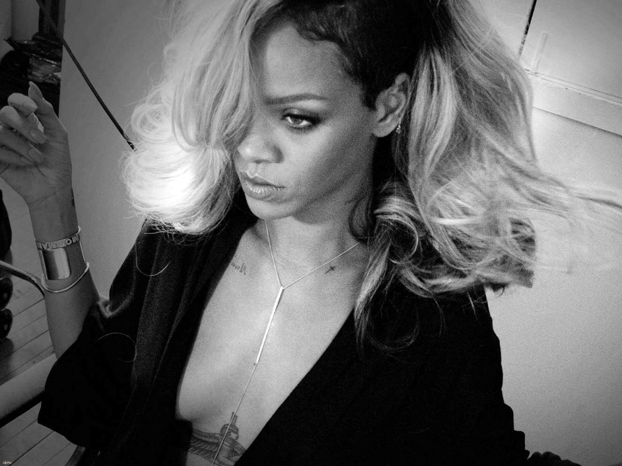Rihanna Wallpapers 2