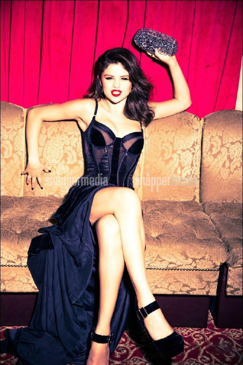 gomez photoshoot for glamour magazine