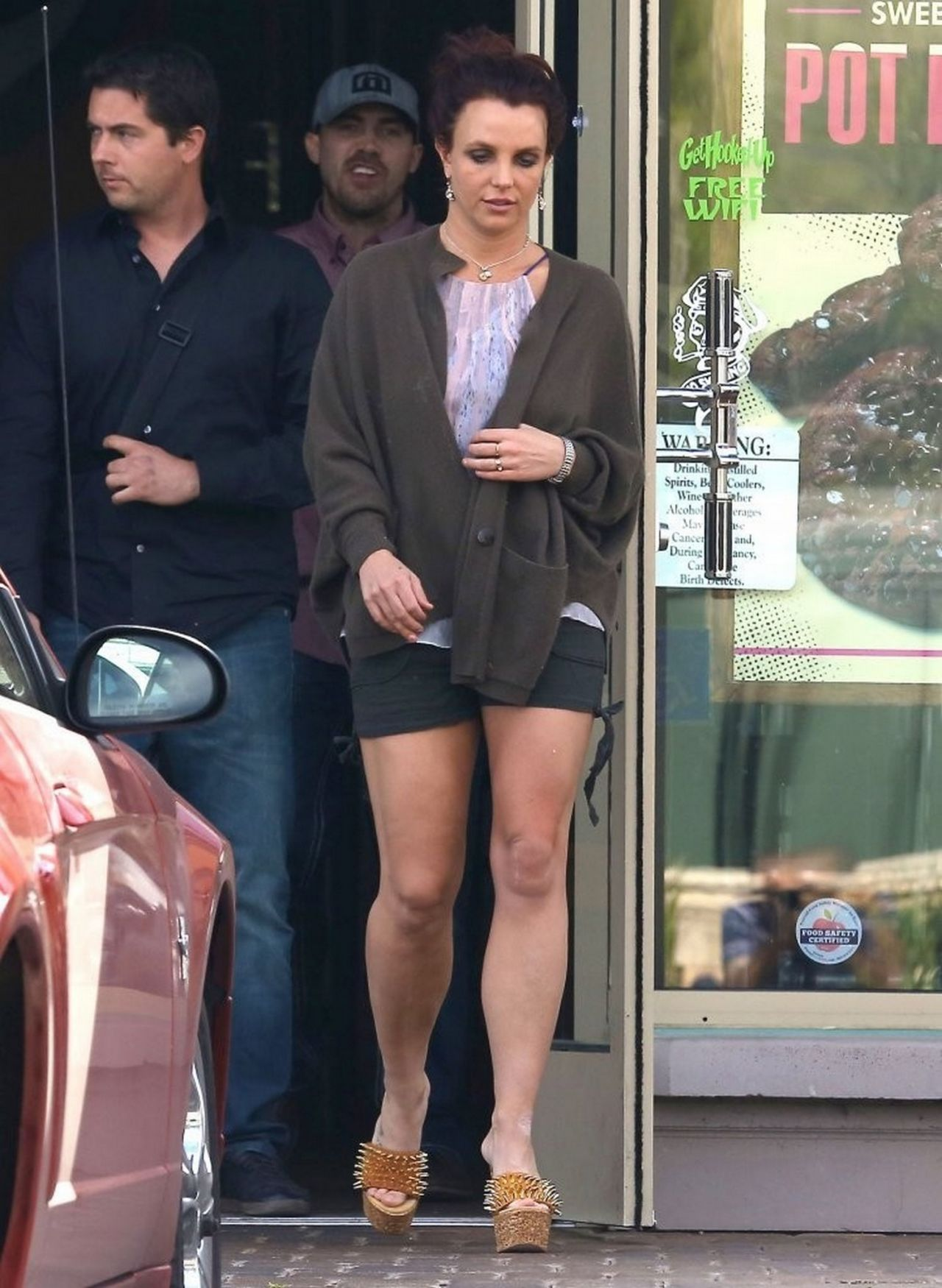 Britney Spears Displays Der Muscular Legs in Shorts  Out