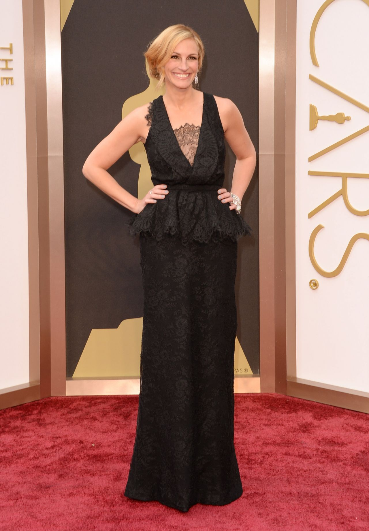Julia Roberts In A Givenchy Gown And Bulgari Jewels 2014
