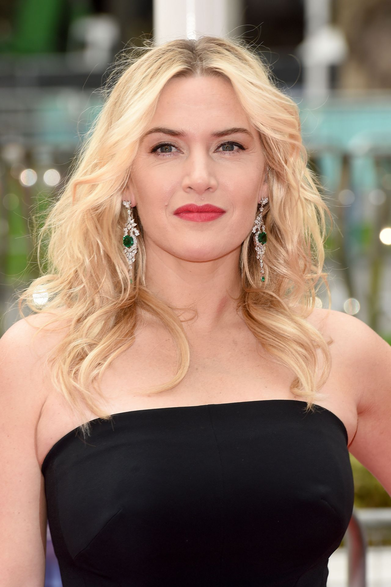 Kate Winslet Wearing Jenny Packham Gown Divergent