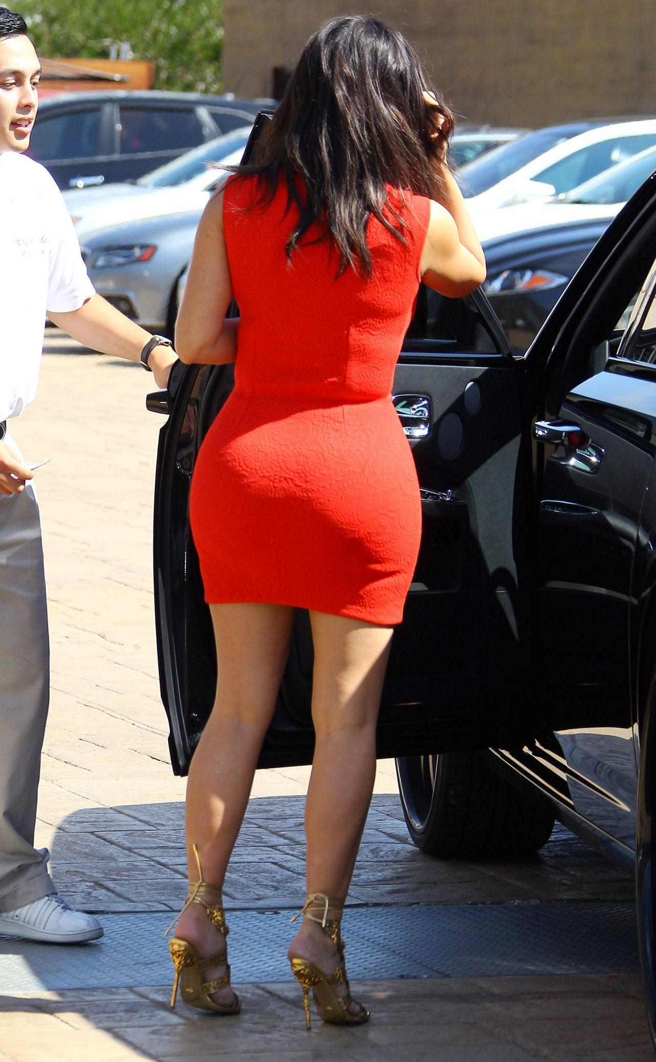 Kim Kardashian in Los Angeles  Arriving at a Studio March 2014
