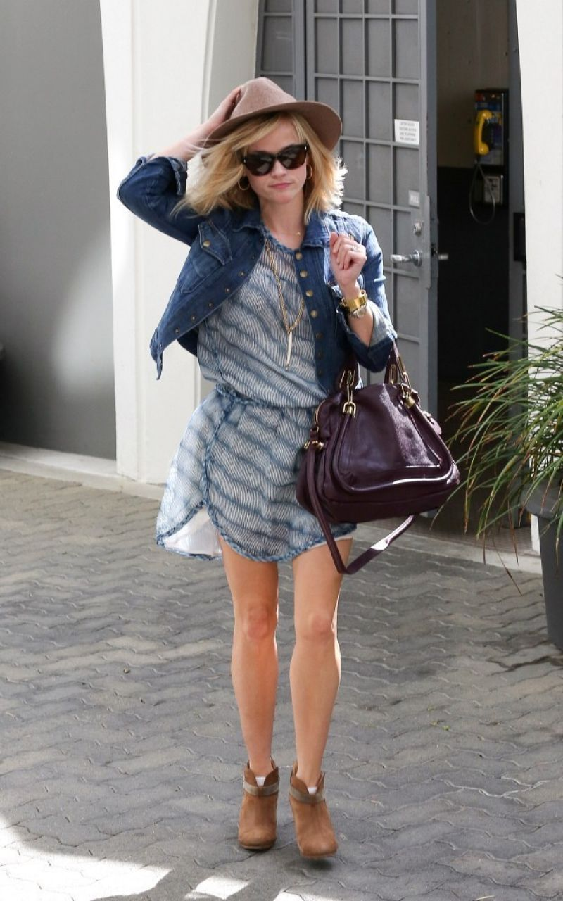 Reese Witherspoon Casual Style  Out in LA  March 2014