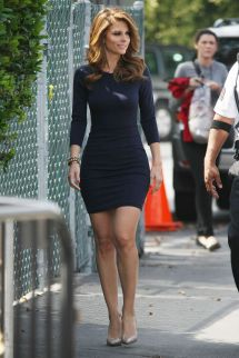 Maria Menounos In Mini Skirt Set Of Extra Los