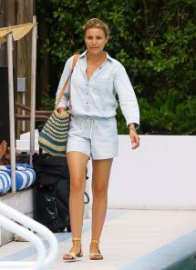 Cameron Diaz Hotel Pool In Miami - July 2014