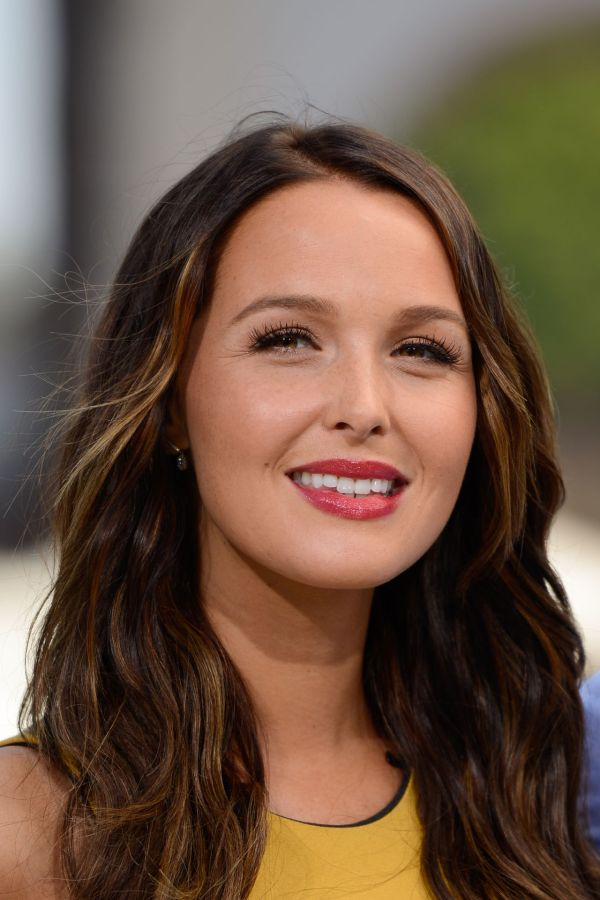 Camilla Luddington - 'extra' Set Universal City July 2014