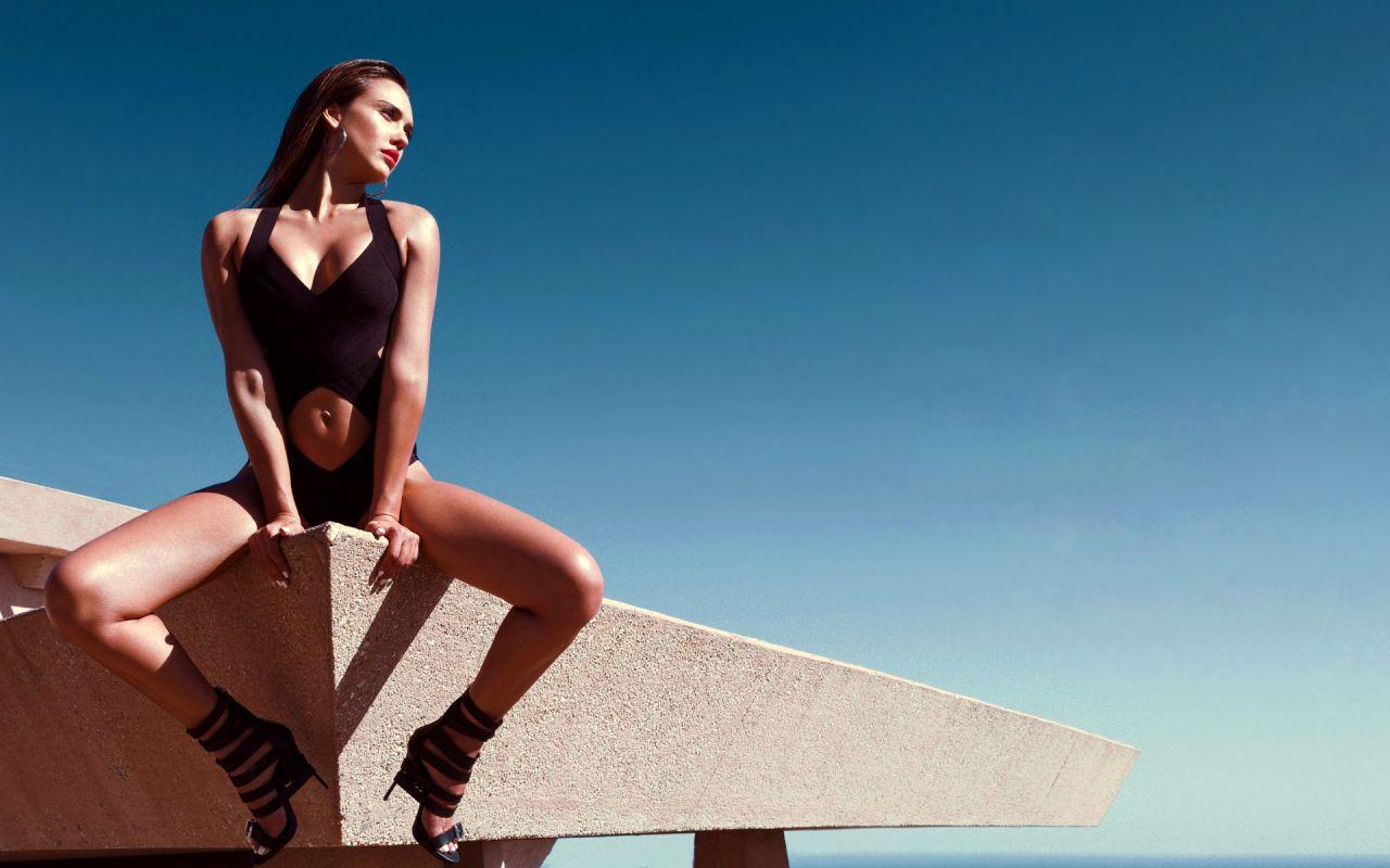 Beautiful Girl Wearing Hat Wallpaper Jessica Alba Bikini Wallpapers 14